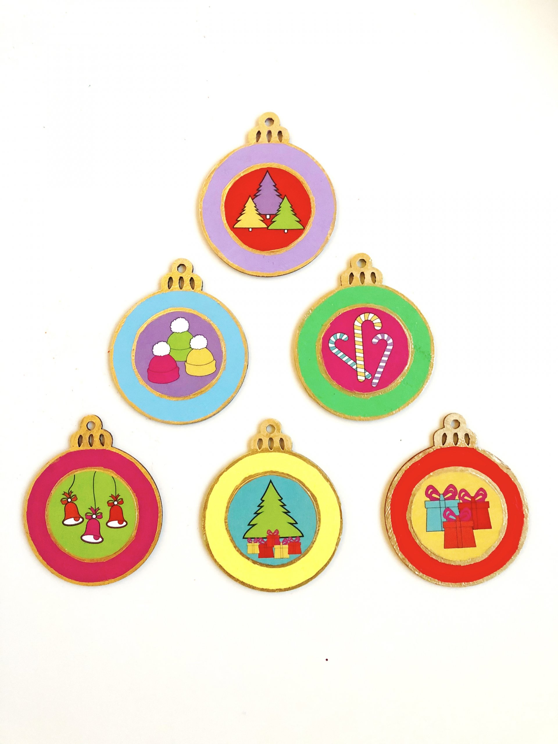 DIY decoupage ornaments with free printable